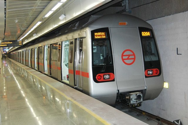Delhi Metro to the Temple