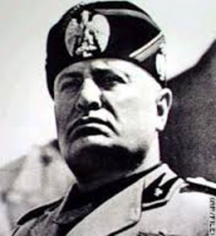 Mussolini comes to power in Italy