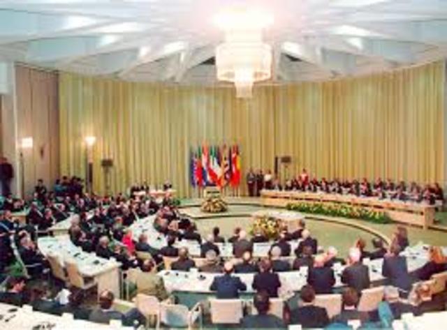 Maastricht Treaty Creates European Union