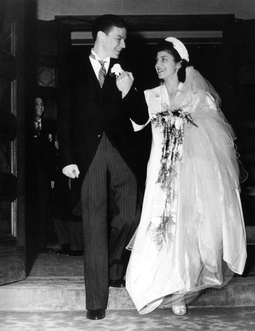 Sinatra got married for the first time.