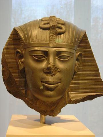 Amosis II, 570-526 último apogeo egipcio