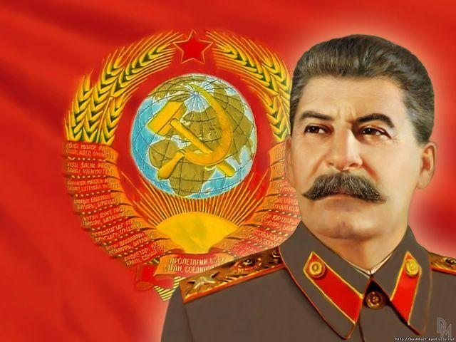 Sube Stalin al poder