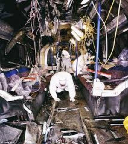 Four suicide bombers detonate bombs on London Underground trains