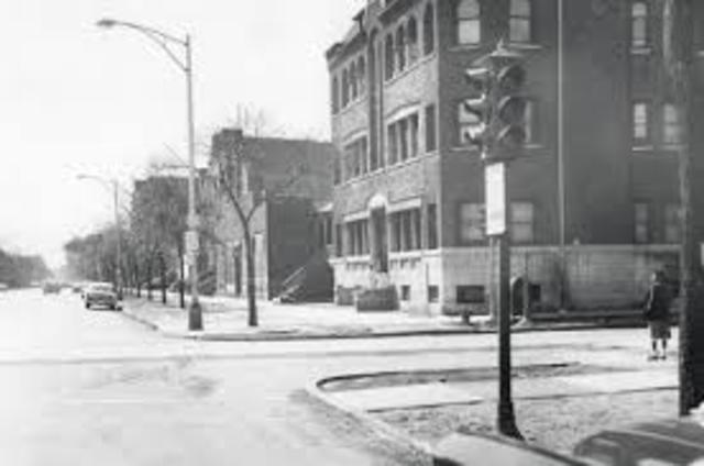 1st automatic street light was in New Milford, CT.