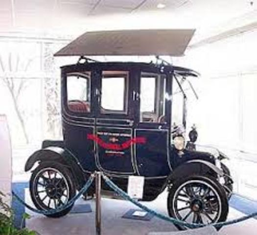 1st sun-powered automobile demonstrated, Chicago, Ill.
