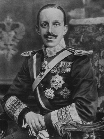 Comienza el reinado efectivo de Alfonso XIII