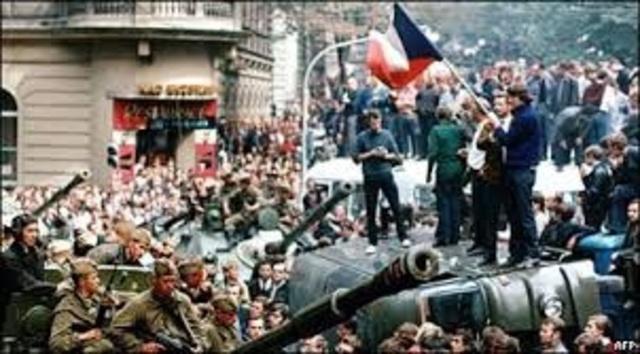 Invasión Soviética a Hungría.
