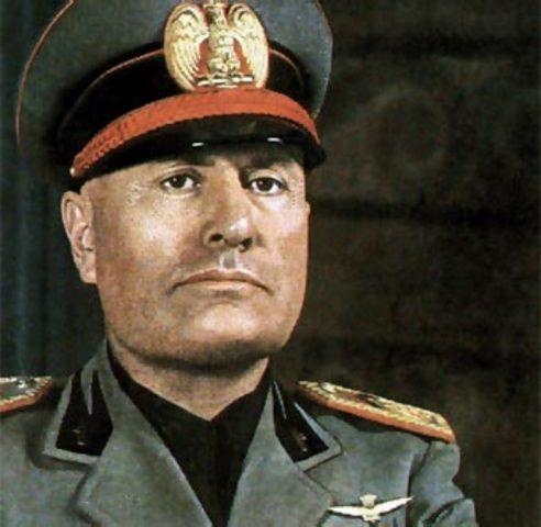 Sube Mussolini al poder