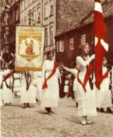 Kvinderne i Danmark fik stemmeret