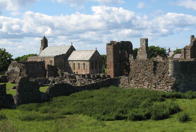 Plyndringen af Lindisfarne Kloster