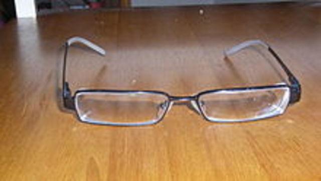 Invento de las gafas en el año (1250)