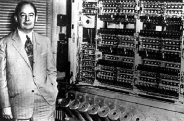 HISTORIA Y EVOLUCION DE LOS COMPUTADORES( John Von Neumann)