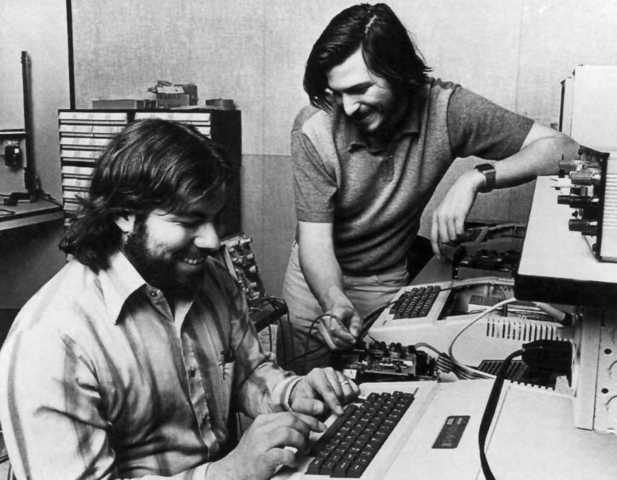 historia y evolucion de los computadores( steve jobs y steve wosniak)