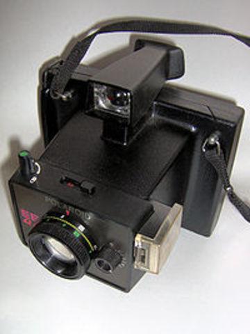 Invencion de la camara polaroid