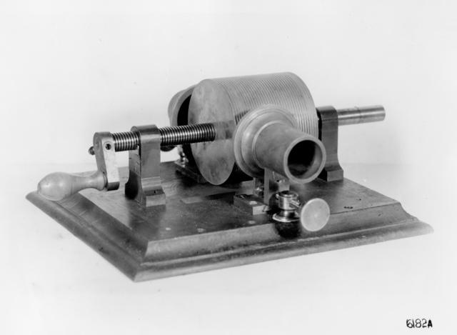 Tinfoil Cylinder Phonograph