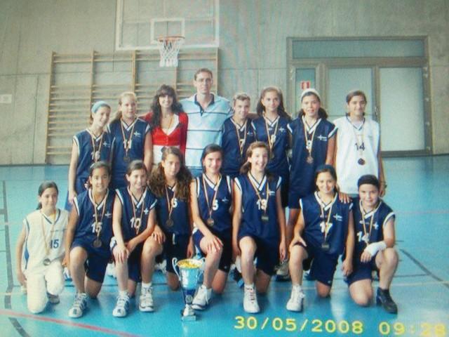 Empiezo a jugar al baloncesto