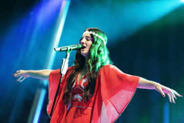 Lana's first performance