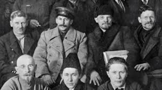 Russia - Bolsheviks leader arrive from Europe