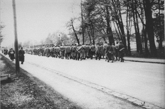 March to Buchenwald