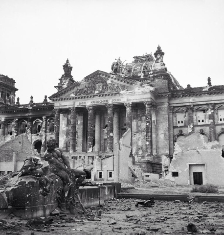 Russians Fight to the Reichstag