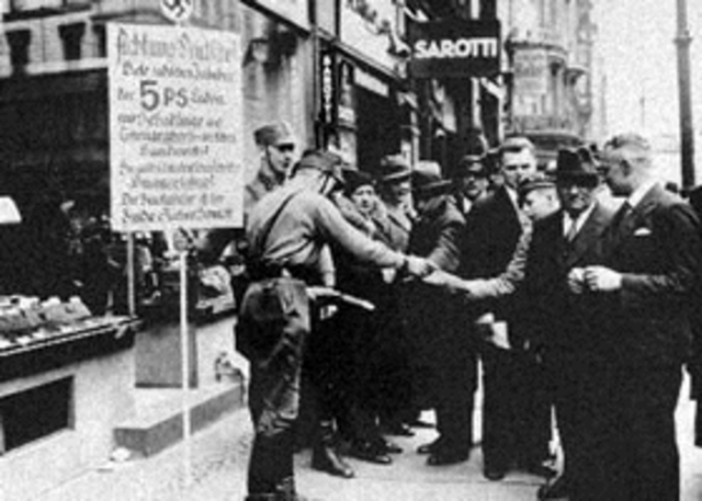 Germany Issues the Anti-Jewish Nuremberg Laws
