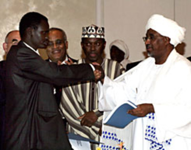Sudanese governement and one part of SLA sign peace agreement