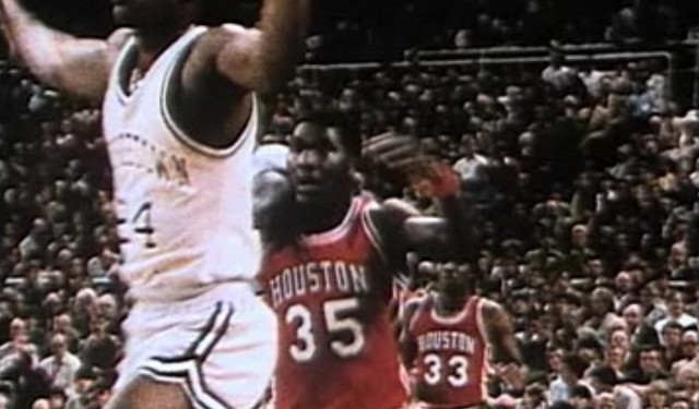 Olajuwon moves to the US and enrolls in the University of Houston