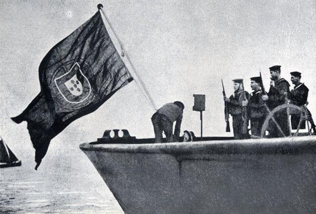 Alemania declara la guerra a Portugal