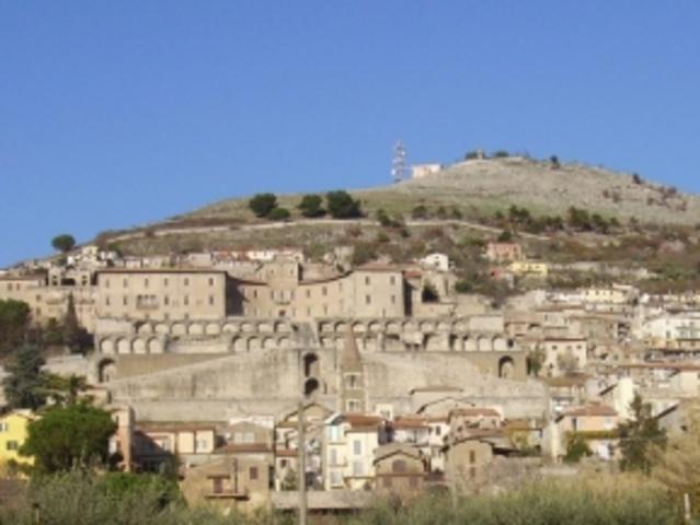 Peatus pikemalt Itaalia mägilinnakeses Palestrinas.