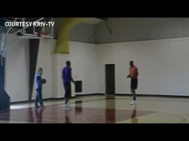 Hakeem teaches Kobe Bryant