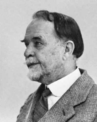 T.H. Morgan establishes Drosophilia Lab