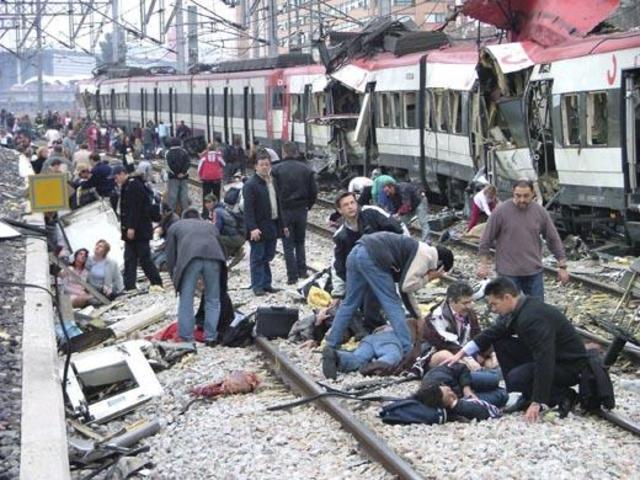 """Atentado terrorista islamista en Madrid """"11M"""""""
