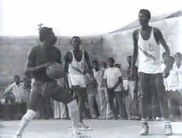 Olajuwon starts playing basketball