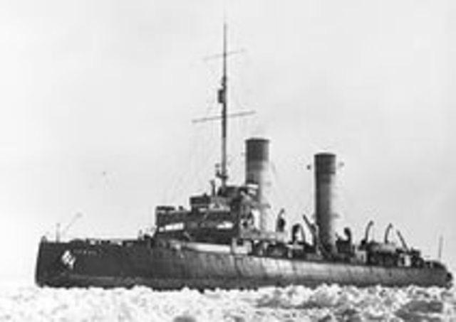 """""""Ермак"""" в составе балтийского флота."""