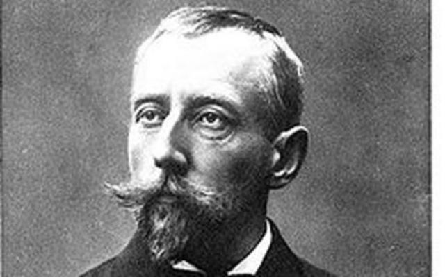 Roald Amundsen reached the South Pole