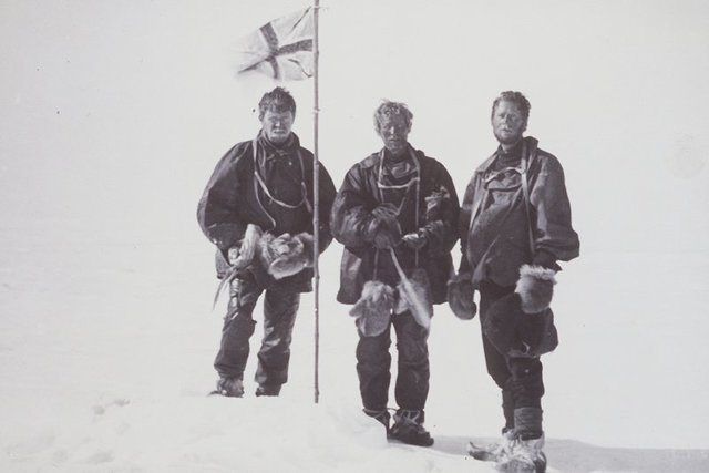 Edgeworth David, Douglas Mawson and Alistair McKay reached the Magnetic South Pole