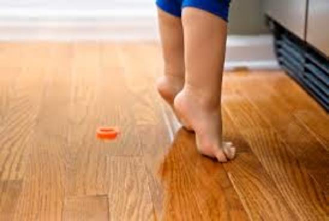 Walks on tiptoe