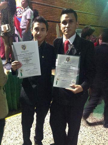 Camilo en su graduacion.