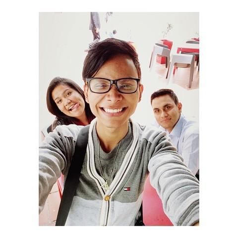 Abdeel con sus amigos Pro