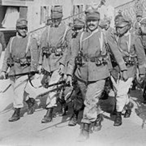 italeins enter the war
