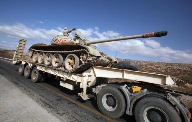 Contrarrevolución: Asedio de Misurata y Bengasi por los Leales