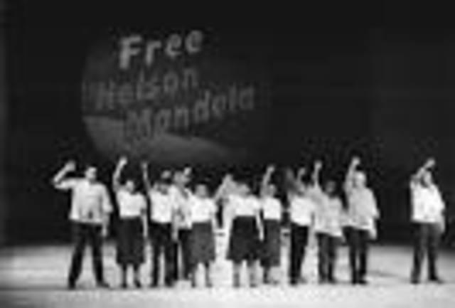 Protests against Mandela being  arrested