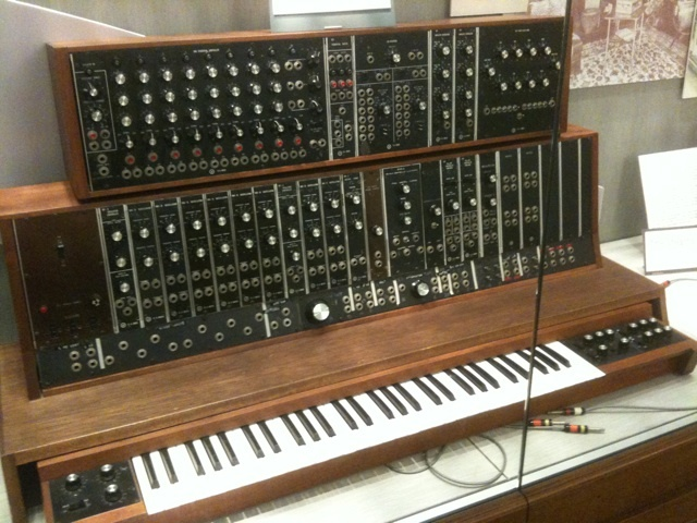 Inventing the Moog Synthesizer