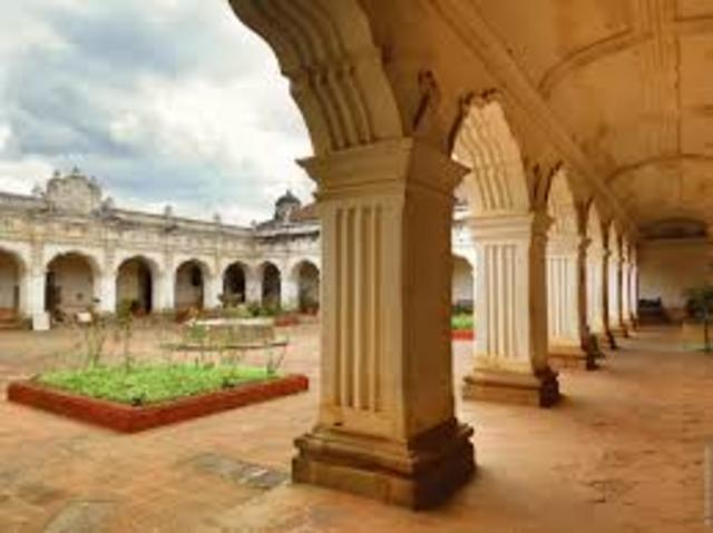 Real Universidad de San Carlos Borromeo