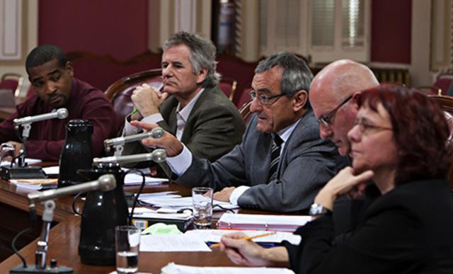 L'APTS, la CSN, la CSQ et la FTQ unissent leur voix contre le projet de loi 10