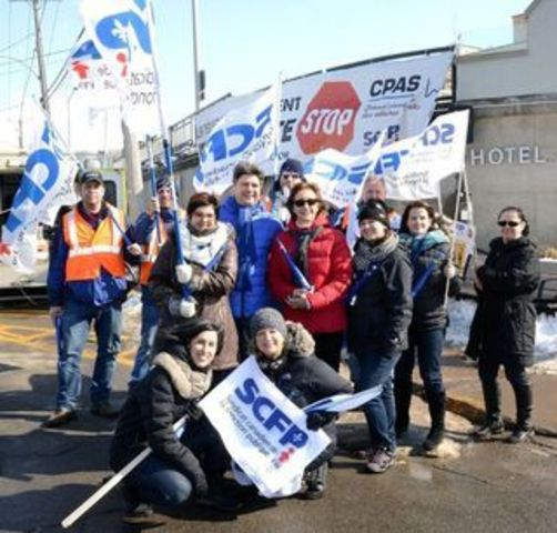 Manifestation à l'Hôtel-Dieu d'Arthabaska