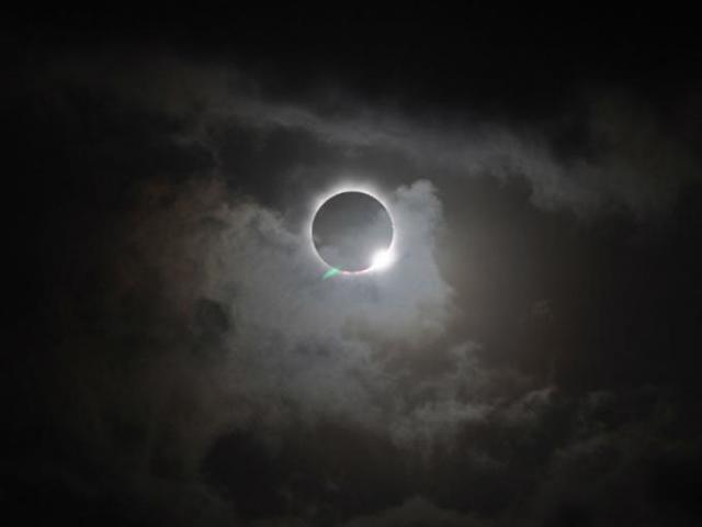 Así se vio el mayor eclipse solar en 15 años