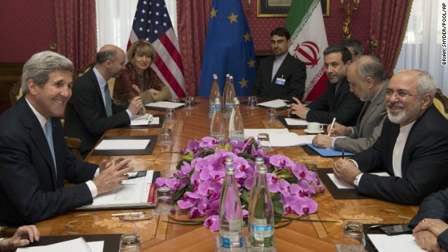 Conversaciones sobre programa nuclear de Irán se extienden tras cumplirse el plazo
