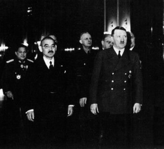 Hitler supports Japan