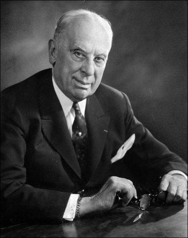 Alfred Sloan becomes president of General Motors